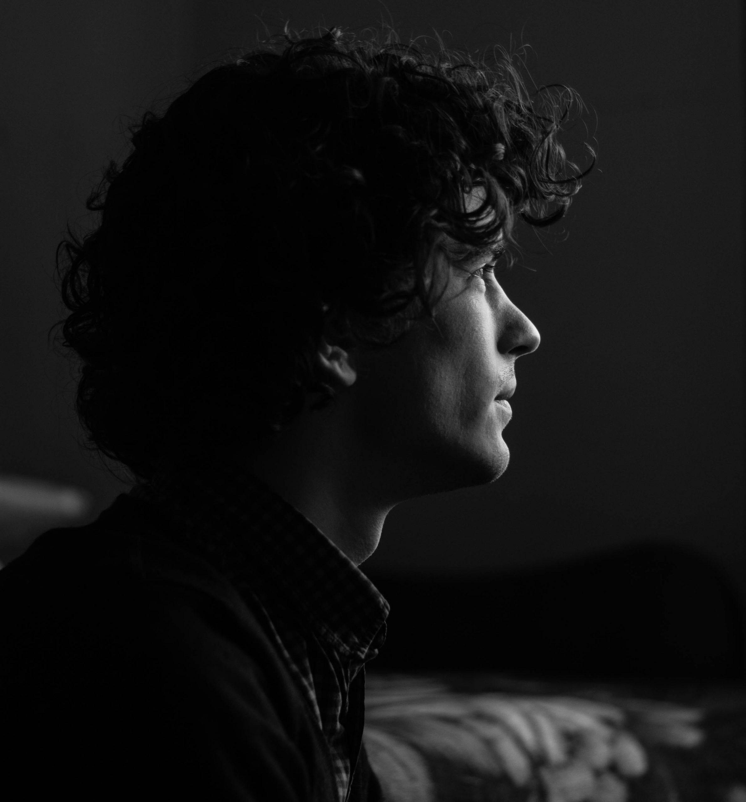 light-black-and-white-portrait-canon-60778